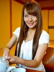 Sweet and luxurious Japanese av idol Jessical Kizaki shows her lovely body