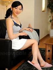 Emiko Koike seduces her neigbor