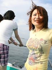 Pretty Japanese lady Miki Uemura