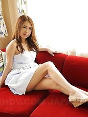 Hottie Kai Miharu displays her tits
