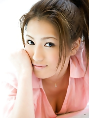 Reina Fujii Shows Sexy Tits