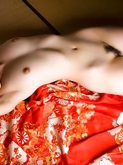 Haruka Itoh Shows Big Tits