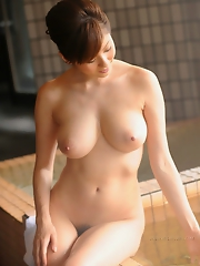 Yuma Asami Pretty Nudie