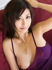 Akari Asahina Show Big Breast