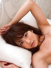 Mina Asakura with big boobs is so sexy in the morning