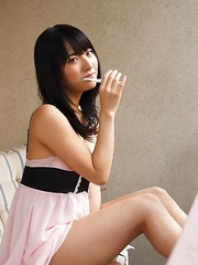 Kana Yume is so erotic even when she brushes her teeth